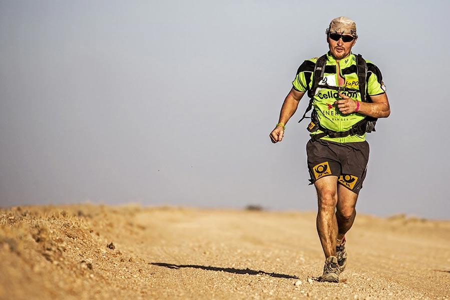 Joey Kelly beim Wüstenlauf